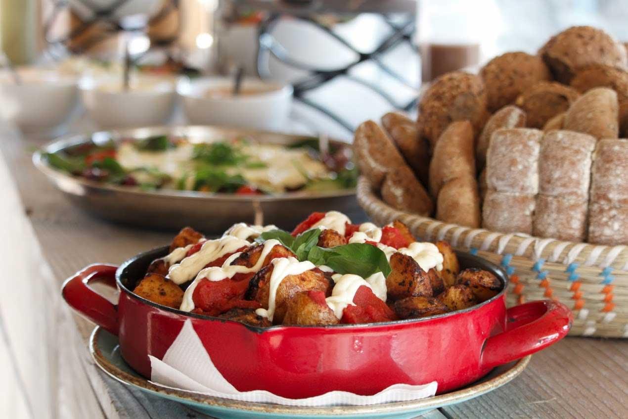 Italiaans buffet bij Telstar Beach